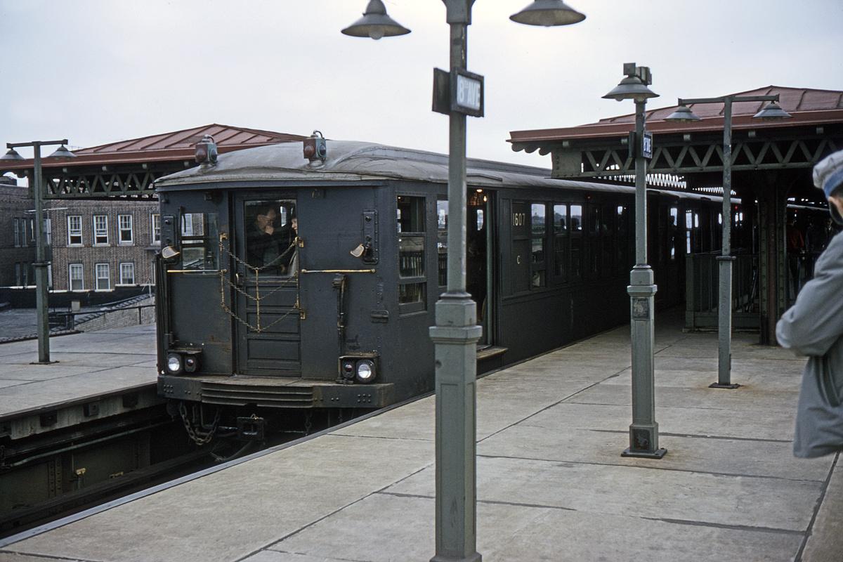 (322k, 1024x682)<br><b>Country:</b> United States<br><b>City:</b> New York<br><b>System:</b> New York City Transit<br><b>Line:</b> BMT Culver Line<br><b>Location:</b> 18th Avenue <br><b>Route:</b> Fan Trip<br><b>Car:</b> BMT Q 1607 <br><b>Collection of:</b> David Pirmann<br><b>Date:</b> 4/19/1964<br><b>Viewed (this week/total):</b> 2 / 3635