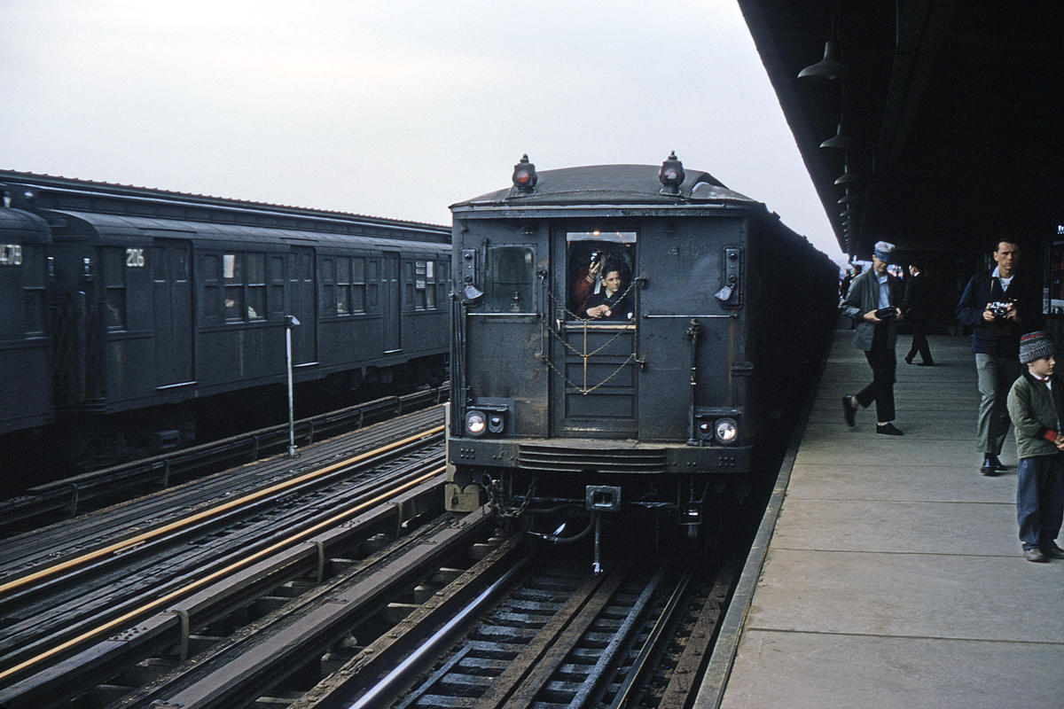 (328k, 1044x708)<br><b>Country:</b> United States<br><b>City:</b> New York<br><b>System:</b> New York City Transit<br><b>Line:</b> BMT Culver Line<br><b>Location:</b> Bay Parkway (22nd Avenue) <br><b>Route:</b> Fan Trip<br><b>Car:</b> BMT Q 1619 <br><b>Collection of:</b> David Pirmann<br><b>Date:</b> 4/19/1964<br><b>Viewed (this week/total):</b> 0 / 2725
