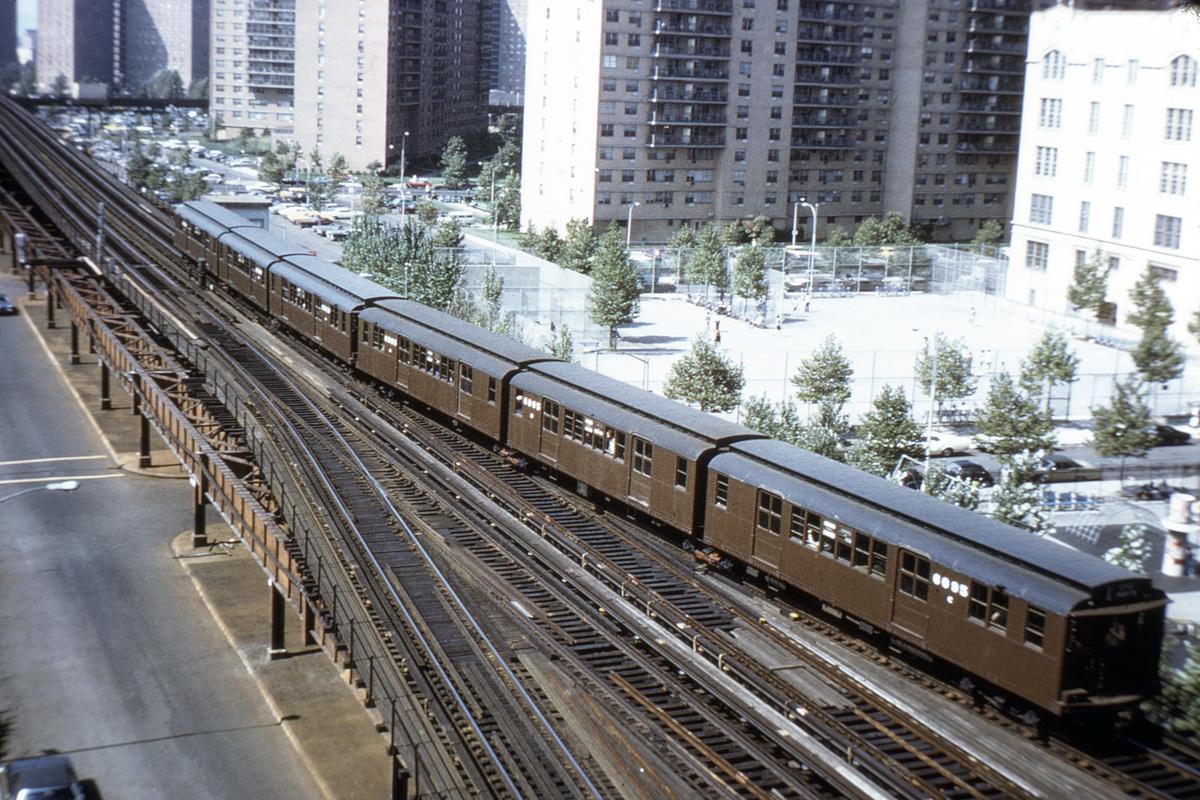 (527k, 1024x683)<br><b>Country:</b> United States<br><b>City:</b> New York<br><b>System:</b> New York City Transit<br><b>Line:</b> BMT Brighton Line<br><b>Location:</b> Ocean Parkway <br><b>Route:</b> Fan Trip<br><b>Car:</b> BMT D-Type Triplex 6095 <br><b>Collection of:</b> David Pirmann<br><b>Viewed (this week/total):</b> 2 / 5214