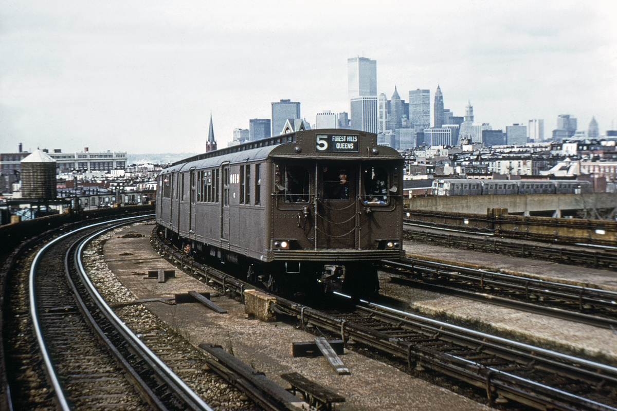(411k, 1024x683)<br><b>Country:</b> United States<br><b>City:</b> New York<br><b>System:</b> New York City Transit<br><b>Line:</b> IND Crosstown Line<br><b>Location:</b> Smith/9th Street <br><b>Route:</b> Fan Trip<br><b>Car:</b> BMT D-Type Triplex 6019 <br><b>Collection of:</b> David Pirmann<br><b>Viewed (this week/total):</b> 4 / 10347