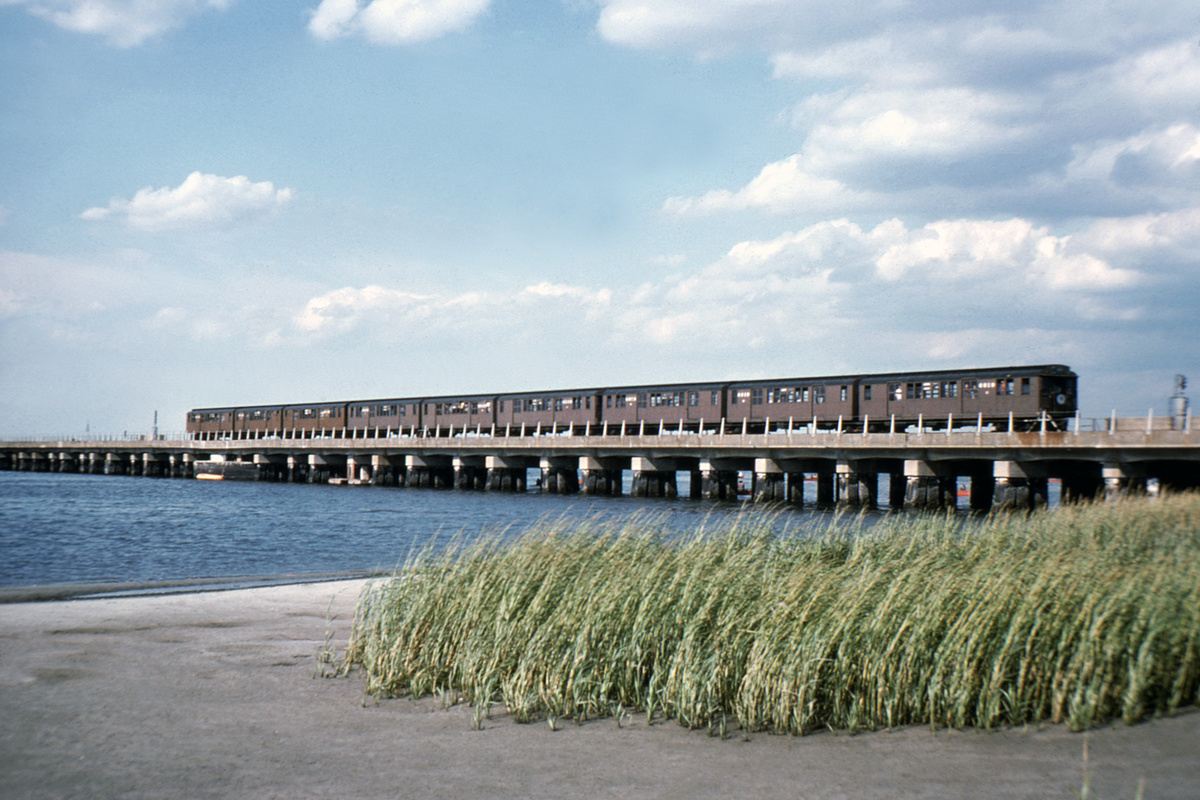 (405k, 1024x683)<br><b>Country:</b> United States<br><b>City:</b> New York<br><b>System:</b> New York City Transit<br><b>Line:</b> IND Rockaway<br><b>Location:</b> Broad Channel <br><b>Car:</b> BMT D-Type Triplex 6019 <br><b>Collection of:</b> David Pirmann<br><b>Viewed (this week/total):</b> 0 / 4194
