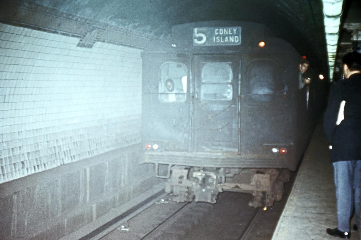(341k, 1044x706)<br><b>Country:</b> United States<br><b>City:</b> New York<br><b>System:</b> New York City Transit<br><b>Line:</b> BMT Broadway Line<br><b>Location:</b> Court Street <br><b>Route:</b> Fan Trip<br><b>Car:</b> BMT D-Type Triplex  <br><b>Collection of:</b> David Pirmann<br><b>Date:</b> 10/17/1965<br><b>Viewed (this week/total):</b> 1 / 5989