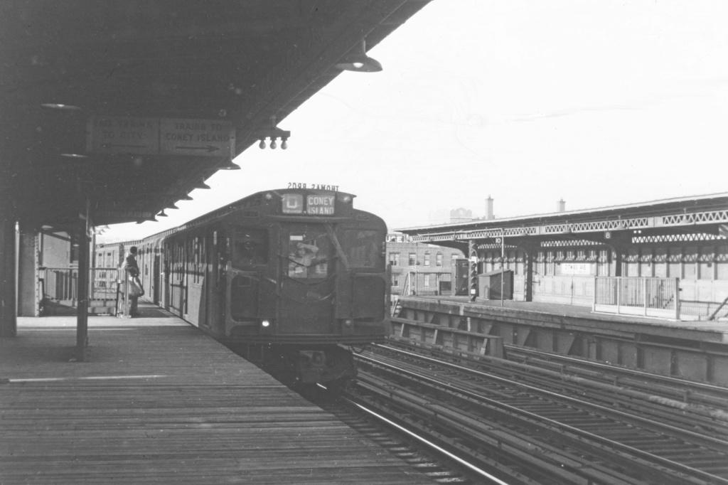 (261k, 1044x716)<br><b>Country:</b> United States<br><b>City:</b> New York<br><b>System:</b> New York City Transit<br><b>Line:</b> BMT Culver Line<br><b>Location:</b> Ditmas Avenue <br><b>Car:</b> R-1/R-9 Series   <br><b>Collection of:</b> David Pirmann<br><b>Viewed (this week/total):</b> 1 / 3461