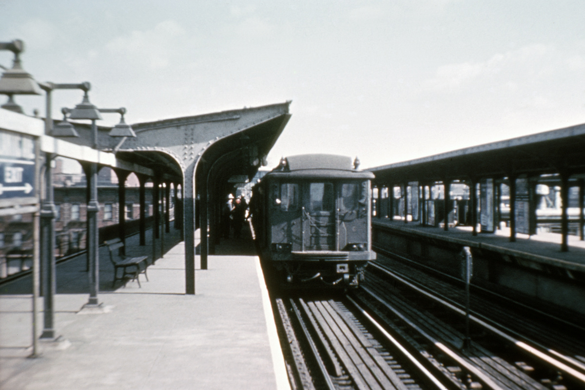 (275k, 1024x682)<br><b>Country:</b> United States<br><b>City:</b> New York<br><b>System:</b> New York City Transit<br><b>Line:</b> BMT Canarsie Line<br><b>Location:</b> Atlantic Avenue <br><b>Car:</b> BMT C  <br><b>Collection of:</b> David Pirmann<br><b>Viewed (this week/total):</b> 1 / 4394