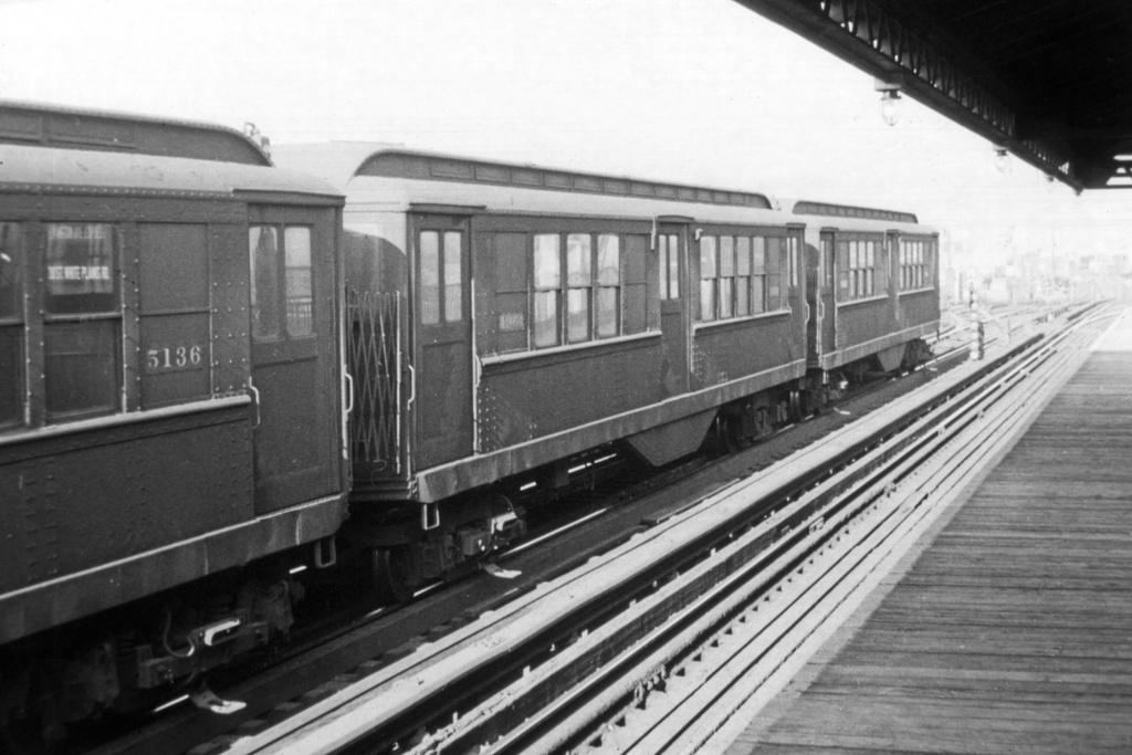(218k, 1024x683)<br><b>Country:</b> United States<br><b>City:</b> New York<br><b>System:</b> New York City Transit<br><b>Line:</b> IRT White Plains Road Line<br><b>Location:</b> 238th Street (Nereid Avenue) <br><b>Car:</b> Low-V 5136 <br><b>Collection of:</b> David Pirmann<br><b>Viewed (this week/total):</b> 0 / 2893