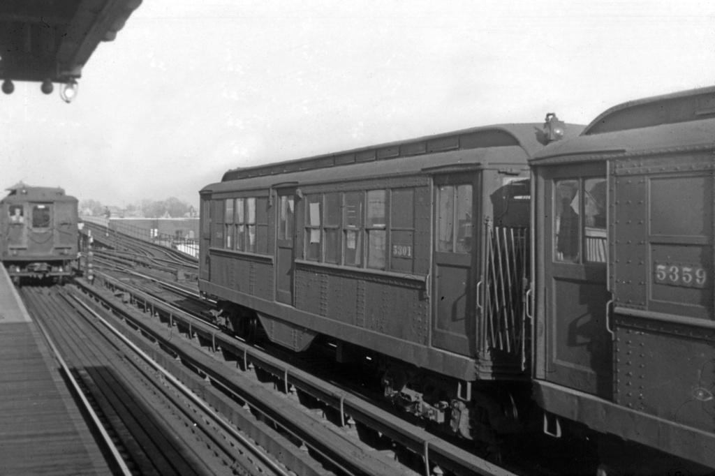 (226k, 1044x705)<br><b>Country:</b> United States<br><b>City:</b> New York<br><b>System:</b> New York City Transit<br><b>Line:</b> IRT White Plains Road Line<br><b>Location:</b> 238th Street (Nereid Avenue) <br><b>Car:</b> Low-V 5301 <br><b>Collection of:</b> David Pirmann<br><b>Viewed (this week/total):</b> 0 / 2916