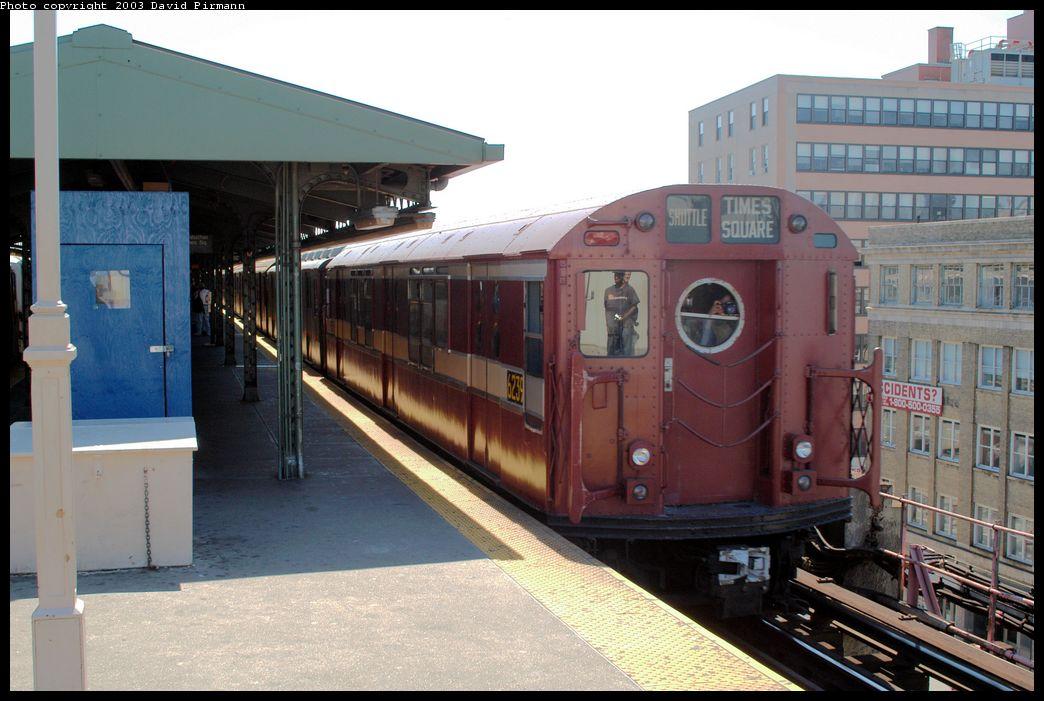 (172k, 1044x701)<br><b>Country:</b> United States<br><b>City:</b> New York<br><b>System:</b> New York City Transit<br><b>Line:</b> IRT Flushing Line<br><b>Location:</b> Queensborough Plaza <br><b>Route:</b> Fan Trip<br><b>Car:</b> R-15 (American Car & Foundry, 1950) 6239 <br><b>Photo by:</b> David Pirmann<br><b>Date:</b> 8/23/2003<br><b>Viewed (this week/total):</b> 0 / 3647