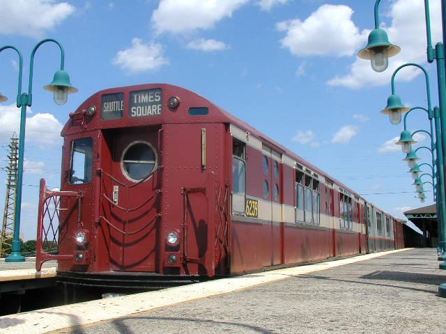 (67k, 640x480)<br><b>Country:</b> United States<br><b>City:</b> New York<br><b>System:</b> New York City Transit<br><b>Line:</b> IRT Flushing Line<br><b>Location:</b> 61st Street/Woodside <br><b>Route:</b> Fan Trip<br><b>Car:</b> R-15 (American Car & Foundry, 1950) 6239 <br><b>Photo by:</b> Carlton Walton<br><b>Date:</b> 8/23/2003<br><b>Viewed (this week/total):</b> 1 / 4141