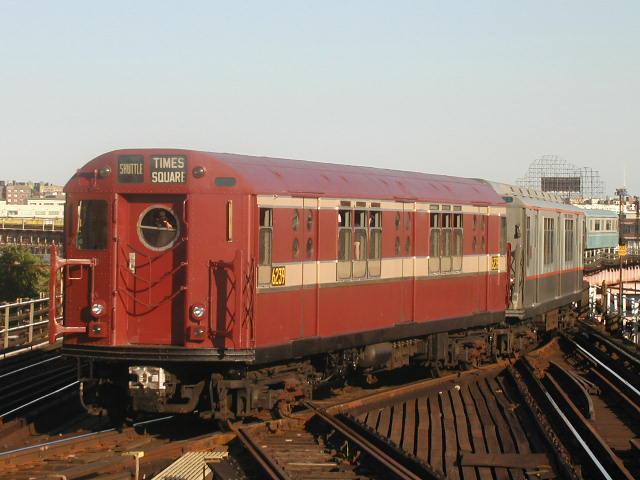 (61k, 640x480)<br><b>Country:</b> United States<br><b>City:</b> New York<br><b>System:</b> New York City Transit<br><b>Line:</b> IRT Flushing Line<br><b>Location:</b> Queensborough Plaza <br><b>Route:</b> Fan Trip<br><b>Car:</b> R-15 (American Car & Foundry, 1950) 6239 <br><b>Photo by:</b> Carlton Walton<br><b>Date:</b> 8/23/2003<br><b>Viewed (this week/total):</b> 0 / 4374