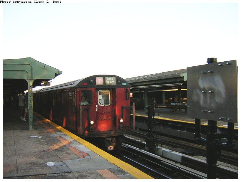 (95k, 820x620)<br><b>Country:</b> United States<br><b>City:</b> New York<br><b>System:</b> New York City Transit<br><b>Line:</b> IRT Flushing Line<br><b>Location:</b> Willets Point/Mets (fmr. Shea Stadium) <br><b>Route:</b> 7<br><b>Car:</b> R-36 World's Fair (St. Louis, 1963-64) 9663 <br><b>Photo by:</b> Glenn L. Rowe<br><b>Date:</b> 8/23/2003<br><b>Viewed (this week/total):</b> 0 / 2668