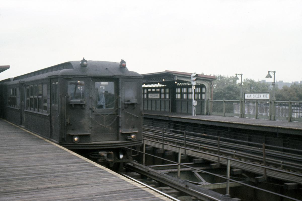 (311k, 1044x694)<br><b>Country:</b> United States<br><b>City:</b> New York<br><b>System:</b> New York City Transit<br><b>Line:</b> IRT Brooklyn Line<br><b>Location:</b> Van Siclen Avenue <br><b>Car:</b> Low-V 4698 <br><b>Collection of:</b> David Pirmann<br><b>Date:</b> 9/4/1963<br><b>Viewed (this week/total):</b> 8 / 4314