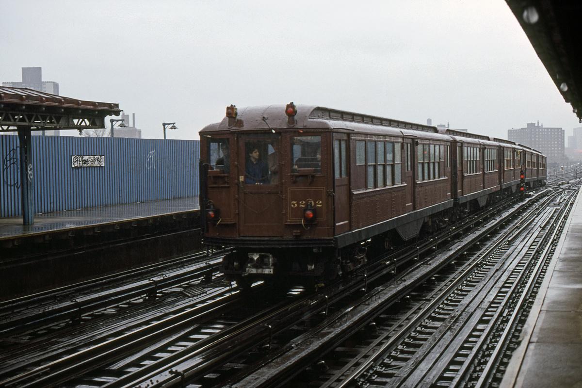 (365k, 1044x710)<br><b>Country:</b> United States<br><b>City:</b> New York<br><b>System:</b> New York City Transit<br><b>Line:</b> IRT White Plains Road Line<br><b>Location:</b> 219th Street <br><b>Route:</b> Fan Trip<br><b>Car:</b> Low-V (Museum Train) 5292 <br><b>Collection of:</b> David Pirmann<br><b>Date:</b> 11/3/1979<br><b>Viewed (this week/total):</b> 0 / 3720