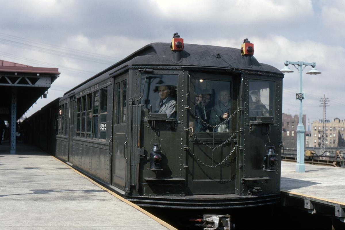 (327k, 1024x682)<br><b>Country:</b> United States<br><b>City:</b> New York<br><b>System:</b> New York City Transit<br><b>Line:</b> IRT Flushing Line<br><b>Location:</b> 61st Street/Woodside <br><b>Route:</b> Fan Trip<br><b>Car:</b> Low-V (Museum Train) 5292 <br><b>Collection of:</b> David Pirmann<br><b>Viewed (this week/total):</b> 0 / 2605