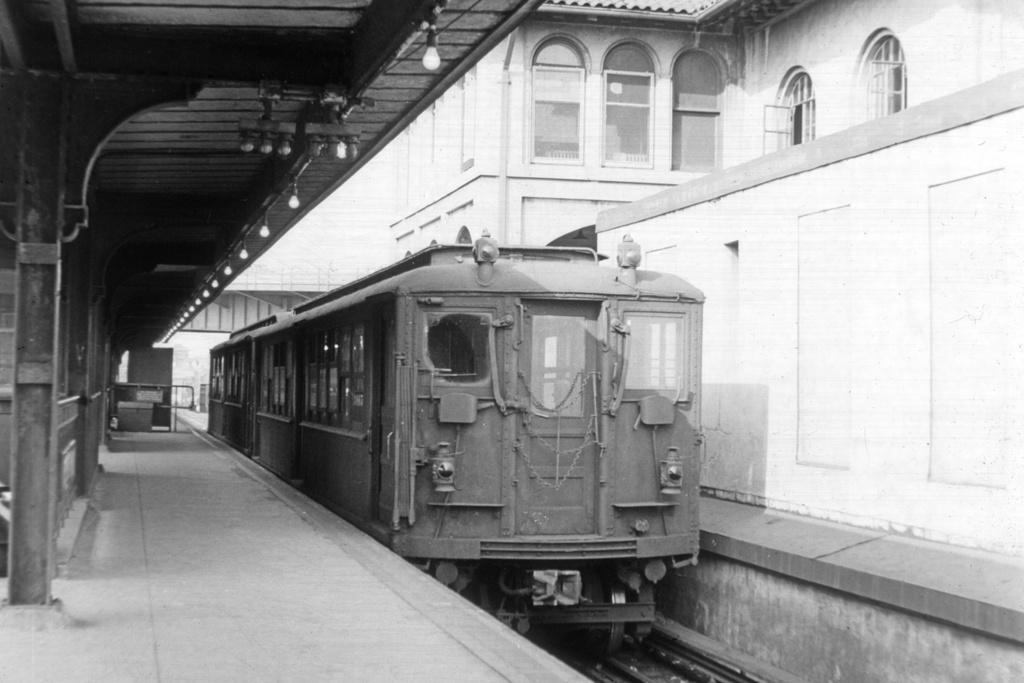 (201k, 1024x683)<br><b>Country:</b> United States<br><b>City:</b> New York<br><b>System:</b> New York City Transit<br><b>Line:</b> IRT White Plains Road Line<br><b>Location:</b> East 180th Street <br><b>Car:</b> Low-V  <br><b>Collection of:</b> David Pirmann<br><b>Date:</b> 3/20/1956<br><b>Viewed (this week/total):</b> 0 / 3256