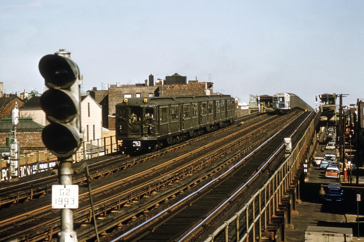 (349k, 1024x682)<br><b>Country:</b> United States<br><b>City:</b> New York<br><b>System:</b> New York City Transit<br><b>Line:</b> BMT Astoria Line<br><b>Location:</b> 39th/Beebe Aves. <br><b>Route:</b> Fan Trip<br><b>Car:</b> Low-V (Museum Train)  <br><b>Collection of:</b> David Pirmann<br><b>Date:</b> 11/14/1965<br><b>Viewed (this week/total):</b> 0 / 3315