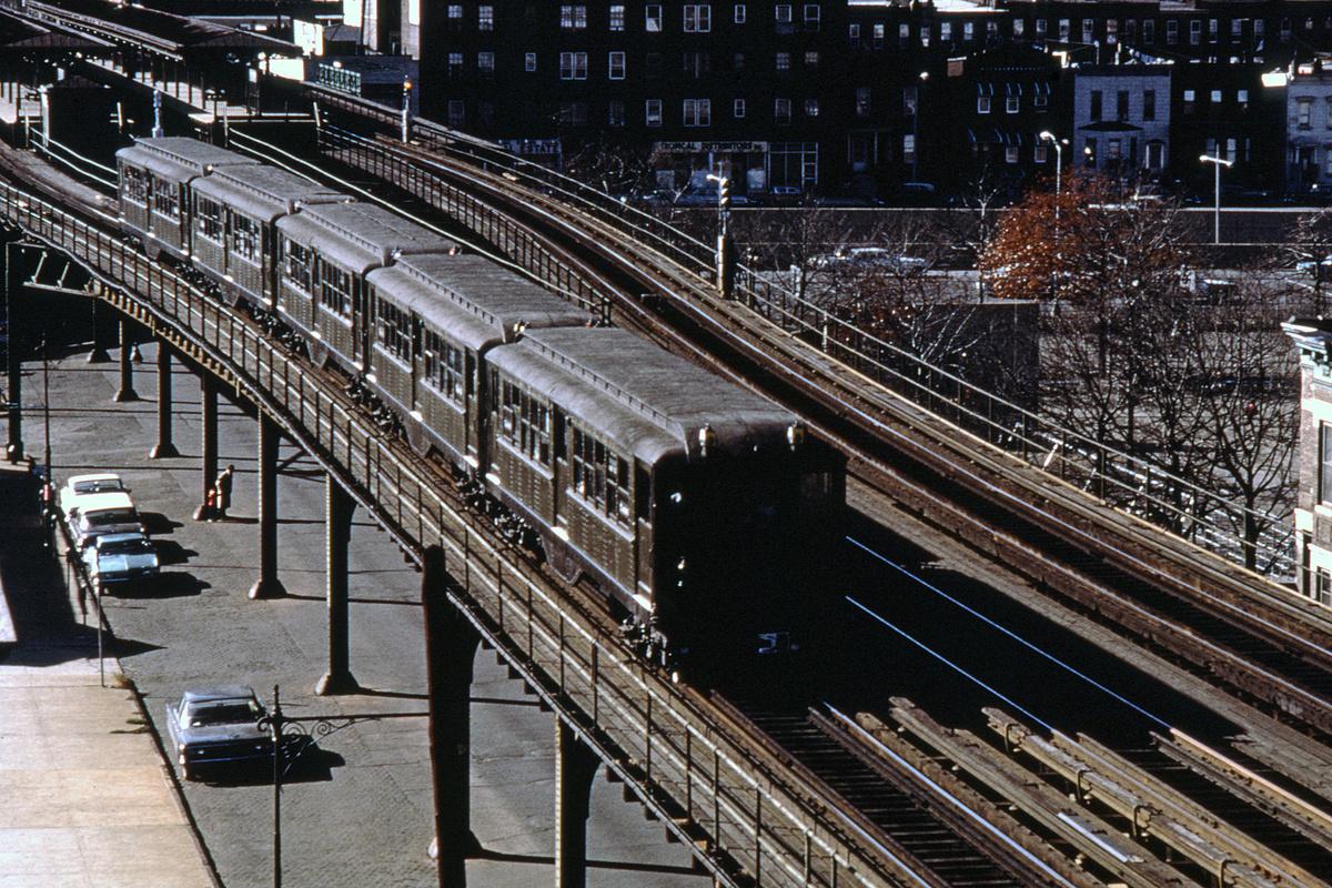 (549k, 1044x704)<br><b>Country:</b> United States<br><b>City:</b> New York<br><b>System:</b> New York City Transit<br><b>Line:</b> 3rd Avenue El<br><b>Location:</b> Tremont Avenue <br><b>Route:</b> Fan Trip<br><b>Car:</b> Low-V (Museum Train)  <br><b>Collection of:</b> David Pirmann<br><b>Date:</b> 11/14/1965<br><b>Viewed (this week/total):</b> 4 / 4894