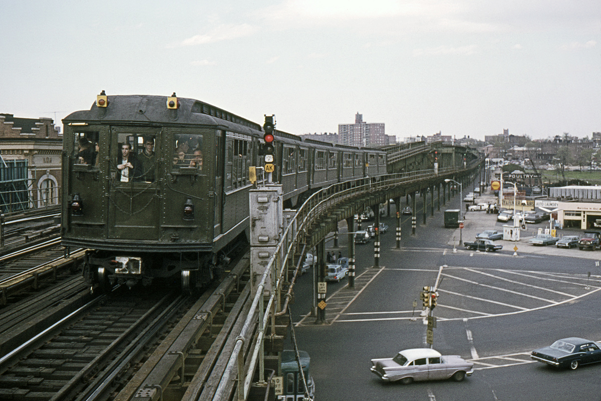 (360k, 1044x698)<br><b>Country:</b> United States<br><b>City:</b> New York<br><b>System:</b> New York City Transit<br><b>Line:</b> IRT Pelham Line<br><b>Location:</b> Westchester Square <br><b>Route:</b> Fan Trip<br><b>Car:</b> Low-V (Museum Train)  <br><b>Collection of:</b> David Pirmann<br><b>Date:</b> 5/7/1966<br><b>Viewed (this week/total):</b> 2 / 4859