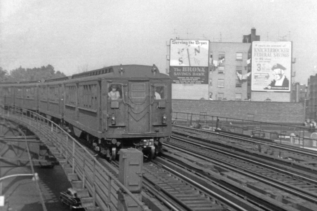(258k, 1044x707)<br><b>Country:</b> United States<br><b>City:</b> New York<br><b>System:</b> New York City Transit<br><b>Line:</b> IRT Pelham Line<br><b>Location:</b> Buhre Avenue <br><b>Car:</b> Hi-V  <br><b>Collection of:</b> David Pirmann<br><b>Notes:</b> Maybe 1954/1955 based on new streetlight.<br><b>Viewed (this week/total):</b> 2 / 5146