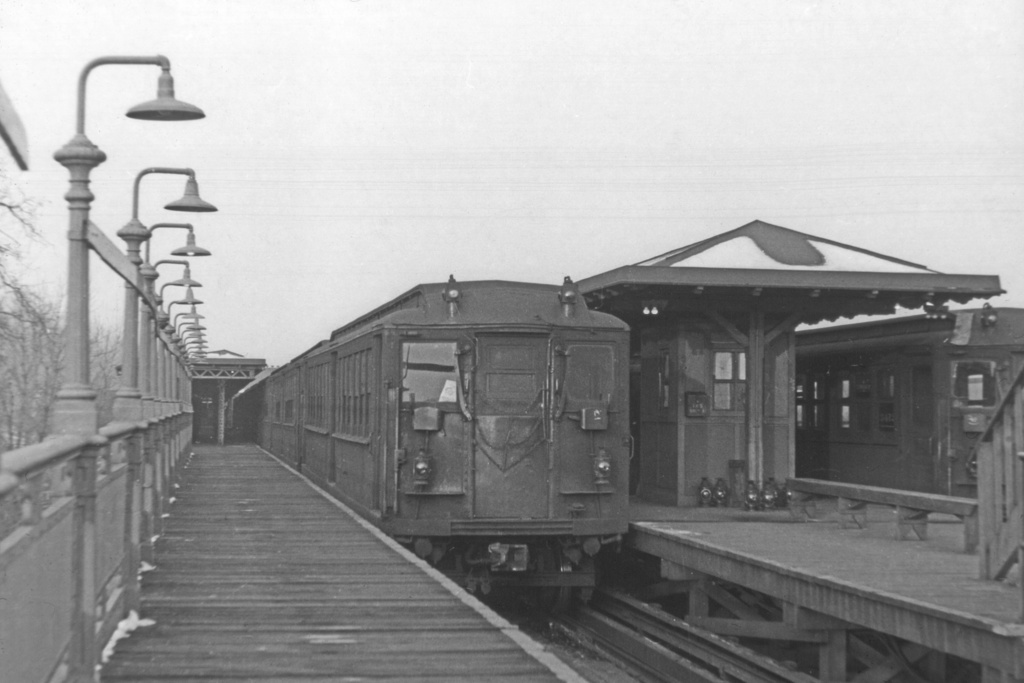 (177k, 1024x683)<br><b>Country:</b> United States<br><b>City:</b> New York<br><b>System:</b> New York City Transit<br><b>Line:</b> IRT West Side Line<br><b>Location:</b> 242nd Street/Van Cortlandt Park <br><b>Car:</b> Hi-V  <br><b>Collection of:</b> David Pirmann<br><b>Viewed (this week/total):</b> 0 / 5893