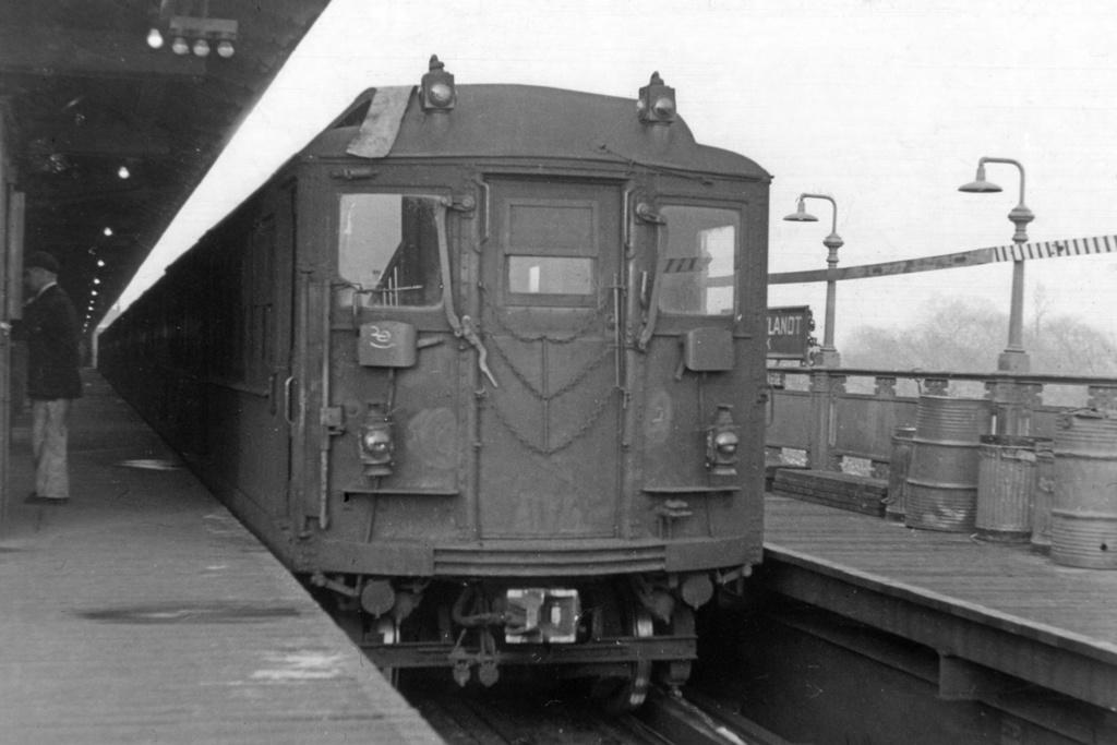 (130k, 1024x676)<br><b>Country:</b> United States<br><b>City:</b> New York<br><b>System:</b> New York City Transit<br><b>Line:</b> IRT West Side Line<br><b>Location:</b> 242nd Street/Van Cortlandt Park <br><b>Car:</b> Hi-V  <br><b>Collection of:</b> David Pirmann<br><b>Viewed (this week/total):</b> 0 / 5921