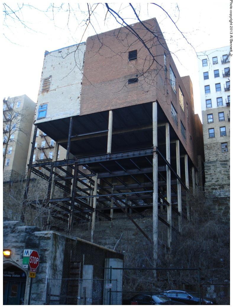 (368k, 788x1044)<br><b>Country:</b> United States<br><b>City:</b> New York<br><b>System:</b> New York City Transit<br><b>Line:</b> IND 8th Avenue Line<br><b>Location:</b> 181st Street <br><b>Photo by:</b> Al Bennett, Jr.<br><b>Date:</b> 4/2/2013<br><b>Viewed (this week/total):</b> 2 / 1541