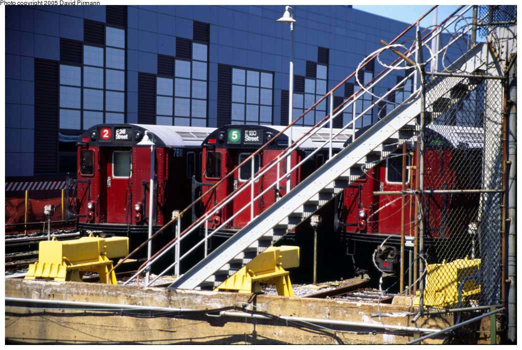 (279k, 1044x700)<br><b>Country:</b> United States<br><b>City:</b> New York<br><b>System:</b> New York City Transit<br><b>Location:</b> East 180th Street Yard<br><b>Car:</b> R-26 (American Car & Foundry, 1959-60) 7811 <br><b>Photo by:</b> David Pirmann<br><b>Date:</b> 7/21/1999<br><b>Viewed (this week/total):</b> 4 / 5604
