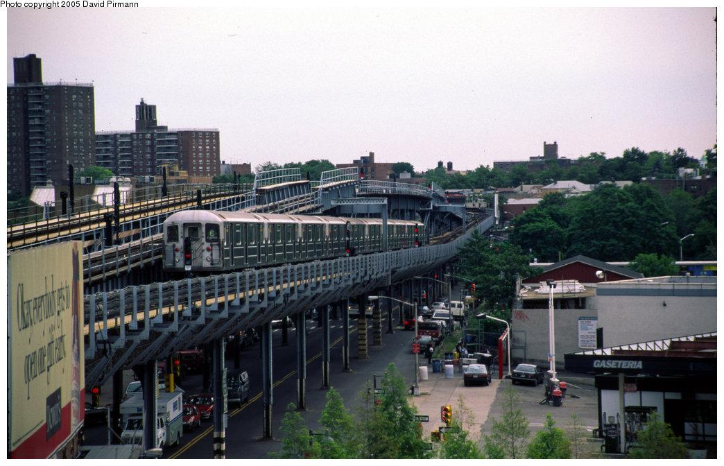 (191k, 1044x672)<br><b>Country:</b> United States<br><b>City:</b> New York<br><b>System:</b> New York City Transit<br><b>Line:</b> IRT Pelham Line<br><b>Location:</b> Westchester Square <br><b>Route:</b> 6<br><b>Photo by:</b> David Pirmann<br><b>Date:</b> 7/21/1999<br><b>Viewed (this week/total):</b> 1 / 4385