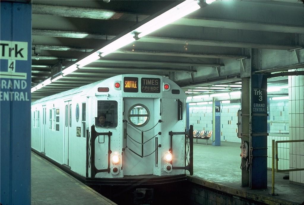 (200k, 1024x692)<br><b>Country:</b> United States<br><b>City:</b> New York<br><b>System:</b> New York City Transit<br><b>Line:</b> IRT Times Square-Grand Central Shuttle<br><b>Location:</b> Grand Central <br><b>Car:</b> R-17 (St. Louis, 1955-56) 6594 <br><b>Photo by:</b> Steve Zabel<br><b>Collection of:</b> Joe Testagrose<br><b>Date:</b> 2/16/1982<br><b>Viewed (this week/total):</b> 3 / 6097