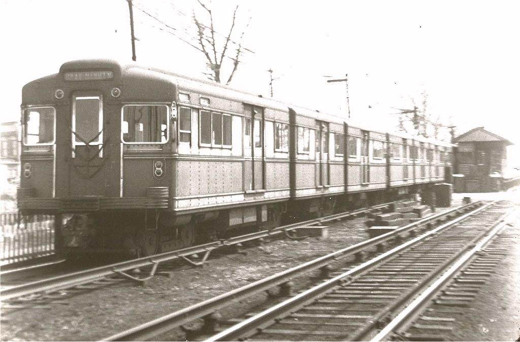 (203k, 1024x675)<br><b>Country:</b> United States<br><b>City:</b> New York<br><b>System:</b> New York City Transit<br><b>Line:</b> BMT Canarsie Line<br><b>Location:</b> East 105th Street <br><b>Car:</b> BMT Bluebird  <br><b>Collection of:</b> Joe Testagrose<br><b>Viewed (this week/total):</b> 0 / 3632