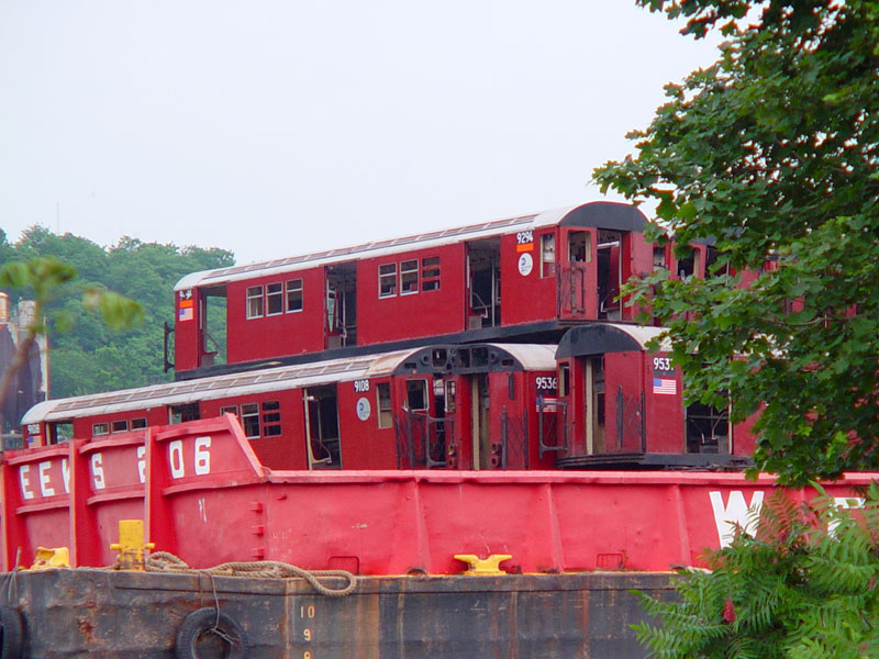 (124k, 800x600)<br><b>Country:</b> United States<br><b>City:</b> New York<br><b>System:</b> New York City Transit<br><b>Location:</b> 207th Street Yard<br><b>Car:</b> R-33 Main Line (St. Louis, 1962-63) 9294 <br><b>Photo by:</b> Howard Finkel<br><b>Date:</b> 6/2003<br><b>Notes:</b> With 9108, 9536, 9537<br><b>Viewed (this week/total):</b> 4 / 4711