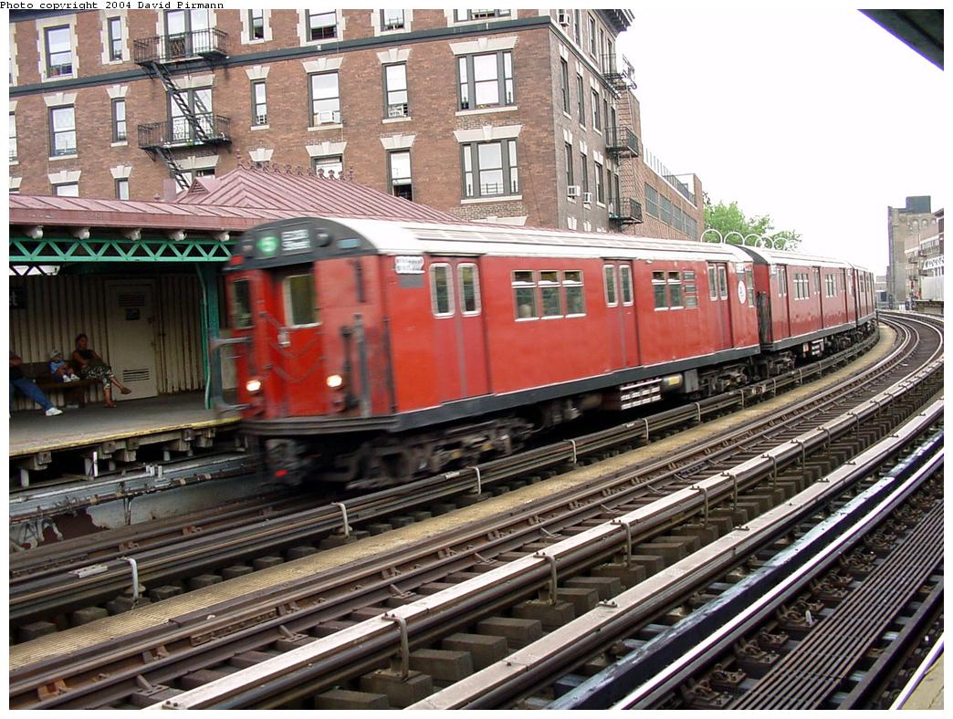 (180k, 1044x788)<br><b>Country:</b> United States<br><b>City:</b> New York<br><b>System:</b> New York City Transit<br><b>Line:</b> IRT White Plains Road Line<br><b>Location:</b> 174th Street <br><b>Route:</b> 2<br><b>Car:</b> R-33 Main Line (St. Louis, 1962-63) 9098 <br><b>Photo by:</b> David Pirmann<br><b>Date:</b> 7/3/2001<br><b>Viewed (this week/total):</b> 0 / 4872