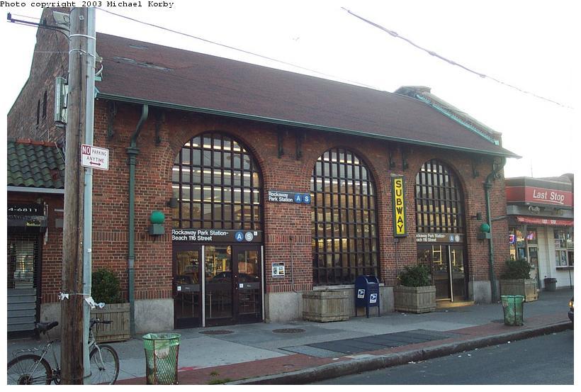 (92k, 820x553)<br><b>Country:</b> United States<br><b>City:</b> New York<br><b>System:</b> New York City Transit<br><b>Line:</b> IND Rockaway<br><b>Location:</b> Rockaway Park/Beach 116th Street <br><b>Photo by:</b> Michael Korby<br><b>Date:</b> 11/4/2002<br><b>Viewed (this week/total):</b> 1 / 4436