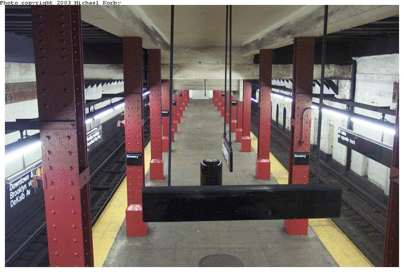 (86k, 820x553)<br><b>Country:</b> United States<br><b>City:</b> New York<br><b>System:</b> New York City Transit<br><b>Line:</b> BMT Nassau Street/Jamaica Line<br><b>Location:</b> Bowery <br><b>Photo by:</b> Michael Korby<br><b>Date:</b> 11/6/2002<br><b>Viewed (this week/total):</b> 2 / 5258