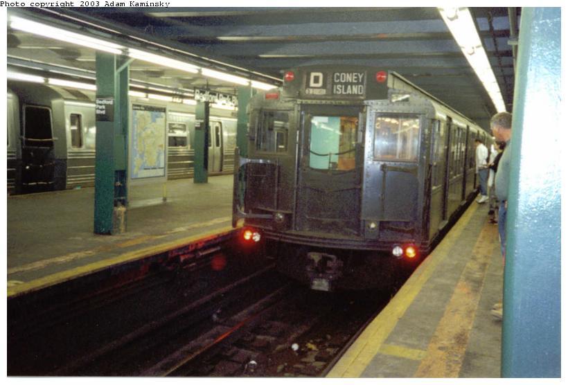 (64k, 820x556)<br><b>Country:</b> United States<br><b>City:</b> New York<br><b>System:</b> New York City Transit<br><b>Line:</b> IND Concourse Line<br><b>Location:</b> Bedford Park Boulevard <br><b>Route:</b> Fan Trip<br><b>Car:</b> R-4 (American Car & Foundry, 1932-1933) 484 <br><b>Photo by:</b> Adam Kaminsky<br><b>Date:</b> 8/24/2003<br><b>Viewed (this week/total):</b> 1 / 4170