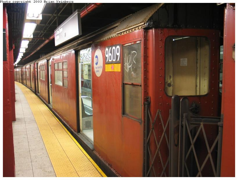 (74k, 820x620)<br><b>Country:</b> United States<br><b>City:</b> New York<br><b>System:</b> New York City Transit<br><b>Line:</b> IRT Flushing Line<br><b>Location:</b> 5th Avenue <br><b>Car:</b> R-36 World's Fair (St. Louis, 1963-64) 9609 <br><b>Photo by:</b> Brian Weinberg<br><b>Date:</b> 8/1/2003<br><b>Viewed (this week/total):</b> 0 / 5266