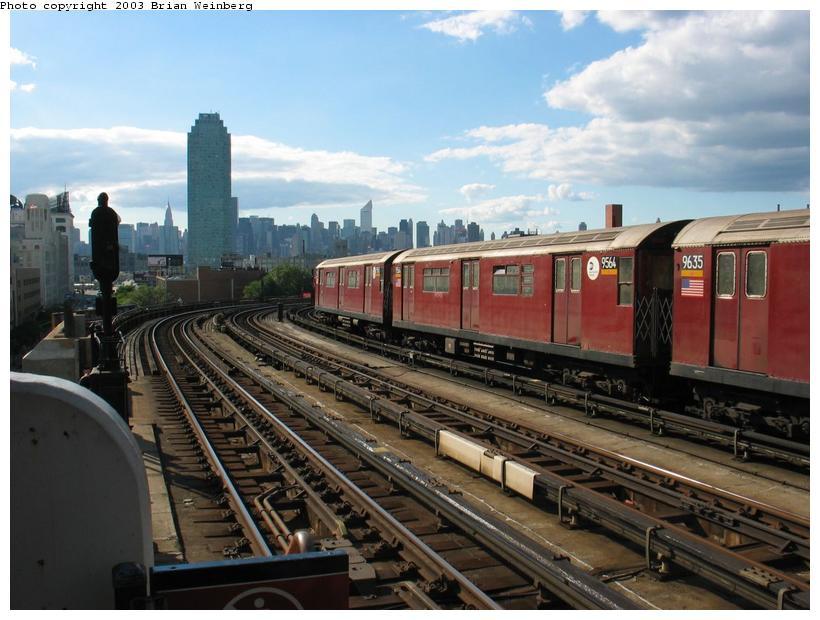 (86k, 820x620)<br><b>Country:</b> United States<br><b>City:</b> New York<br><b>System:</b> New York City Transit<br><b>Line:</b> IRT Flushing Line<br><b>Location:</b> 33rd Street/Rawson Street <br><b>Car:</b> R-36 World's Fair (St. Louis, 1963-64) 9564 <br><b>Photo by:</b> Brian Weinberg<br><b>Date:</b> 9/5/2003<br><b>Viewed (this week/total):</b> 0 / 7065