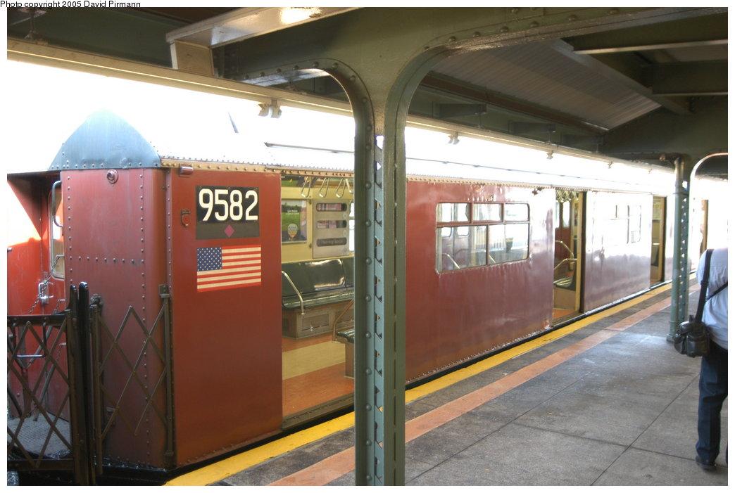 (186k, 1044x701)<br><b>Country:</b> United States<br><b>City:</b> New York<br><b>System:</b> New York City Transit<br><b>Line:</b> IRT Flushing Line<br><b>Location:</b> Willets Point/Mets (fmr. Shea Stadium) <br><b>Route:</b> 7<br><b>Car:</b> R-36 World's Fair (St. Louis, 1963-64) 9582 <br><b>Photo by:</b> David Pirmann<br><b>Date:</b> 11/3/2003<br><b>Notes:</b> Last revenue redbird train<br><b>Viewed (this week/total):</b> 0 / 3390