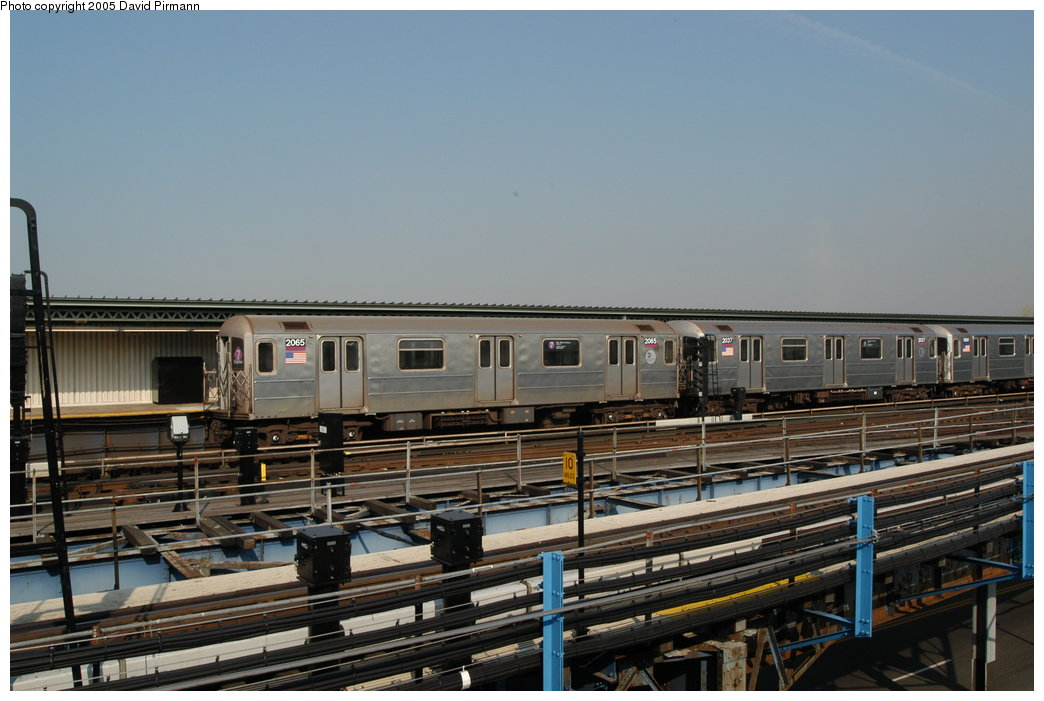 (193k, 1044x701)<br><b>Country:</b> United States<br><b>City:</b> New York<br><b>System:</b> New York City Transit<br><b>Line:</b> IRT Flushing Line<br><b>Location:</b> Willets Point/Mets (fmr. Shea Stadium) <br><b>Route:</b> 7<br><b>Car:</b> R-62A (Bombardier, 1984-1987)  2065 <br><b>Photo by:</b> David Pirmann<br><b>Date:</b> 11/3/2003<br><b>Viewed (this week/total):</b> 0 / 5515