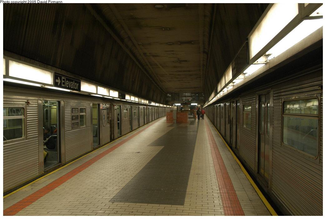 (192k, 1044x701)<br><b>Country:</b> United States<br><b>City:</b> New York<br><b>System:</b> New York City Transit<br><b>Line:</b> IND Queens Boulevard Line<br><b>Location:</b> Sutphin Blvd.-Archer Ave./JFK <br><b>Route:</b> E<br><b>Car:</b> R-32 (Budd, 1964)  3791 <br><b>Photo by:</b> David Pirmann<br><b>Date:</b> 11/3/2003<br><b>Notes:</b> Upper Level<br><b>Viewed (this week/total):</b> 0 / 7755