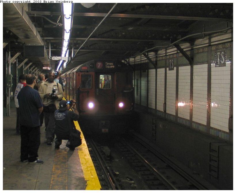 (80k, 820x673)<br><b>Country:</b> United States<br><b>City:</b> New York<br><b>System:</b> New York City Transit<br><b>Line:</b> IRT Flushing Line<br><b>Location:</b> Times Square <br><b>Car:</b> R-36 World's Fair (St. Louis, 1963-64) 9564 <br><b>Photo by:</b> Brian Weinberg<br><b>Date:</b> 11/3/2003<br><b>Notes:</b> View of train on last revenue Redbird service entering Times Square.<br><b>Viewed (this week/total):</b> 3 / 6166