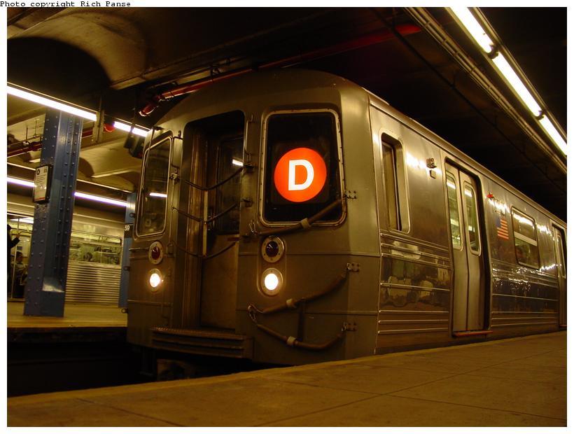 (74k, 820x620)<br><b>Country:</b> United States<br><b>City:</b> New York<br><b>System:</b> New York City Transit<br><b>Line:</b> IND 8th Avenue Line<br><b>Location:</b> 59th Street/Columbus Circle <br><b>Route:</b> D<br><b>Car:</b> R-68 (Westinghouse-Amrail, 1986-1988)  26xx <br><b>Photo by:</b> Richard Panse<br><b>Date:</b> 11/9/2003<br><b>Viewed (this week/total):</b> 0 / 4848