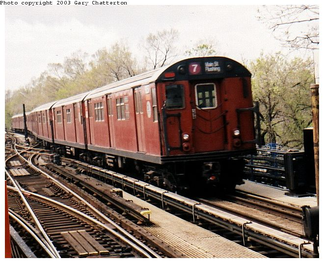 (90k, 660x536)<br><b>Country:</b> United States<br><b>City:</b> New York<br><b>System:</b> New York City Transit<br><b>Line:</b> IRT Flushing Line<br><b>Location:</b> Willets Point/Mets (fmr. Shea Stadium) <br><b>Route:</b> 7<br><b>Car:</b> R-33 Main Line (St. Louis, 1962-63) 9257 <br><b>Photo by:</b> Gary Chatterton<br><b>Date:</b> 4/13/2002<br><b>Viewed (this week/total):</b> 0 / 4385