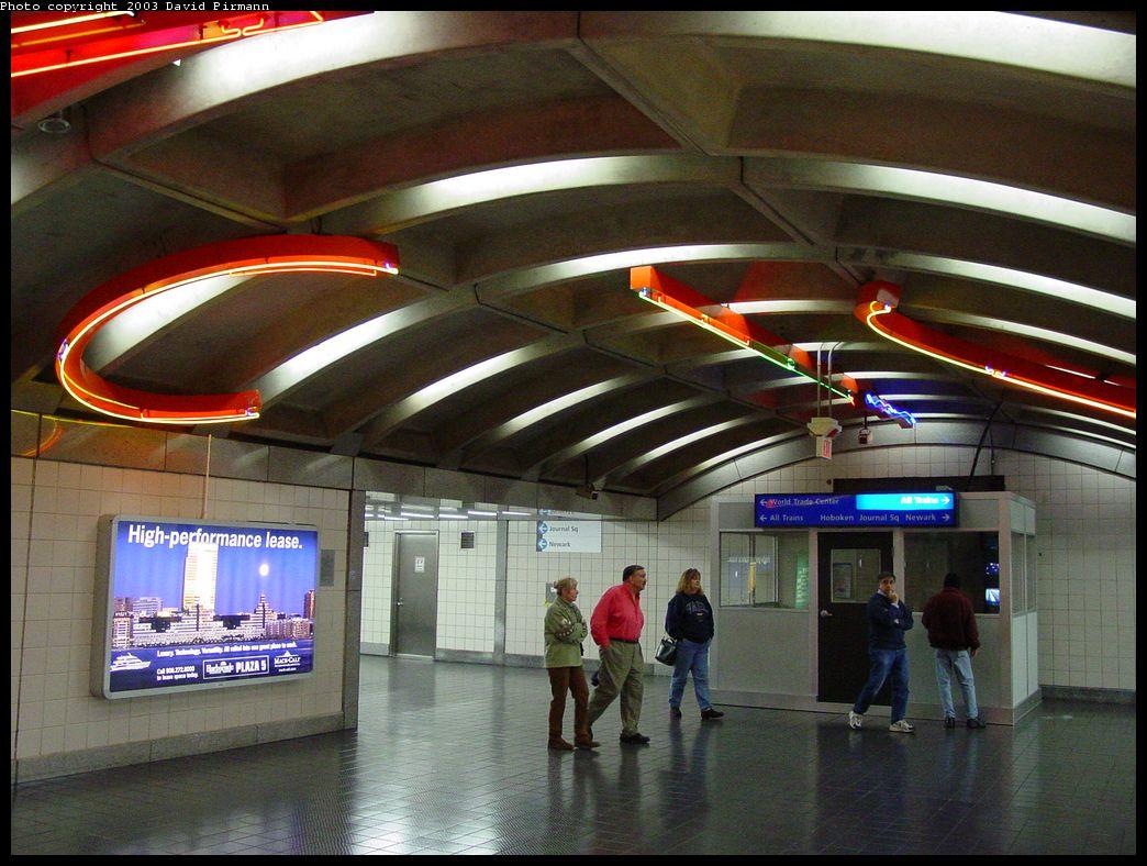 (148k, 1044x788)<br><b>Country:</b> United States<br><b>City:</b> Jersey City, NJ<br><b>System:</b> PATH<br><b>Location:</b> Exchange Place <br><b>Photo by:</b> David Pirmann<br><b>Date:</b> 11/23/2003<br><b>Notes:</b> Hallway at bottom of escalator bank<br><b>Viewed (this week/total):</b> 1 / 7037