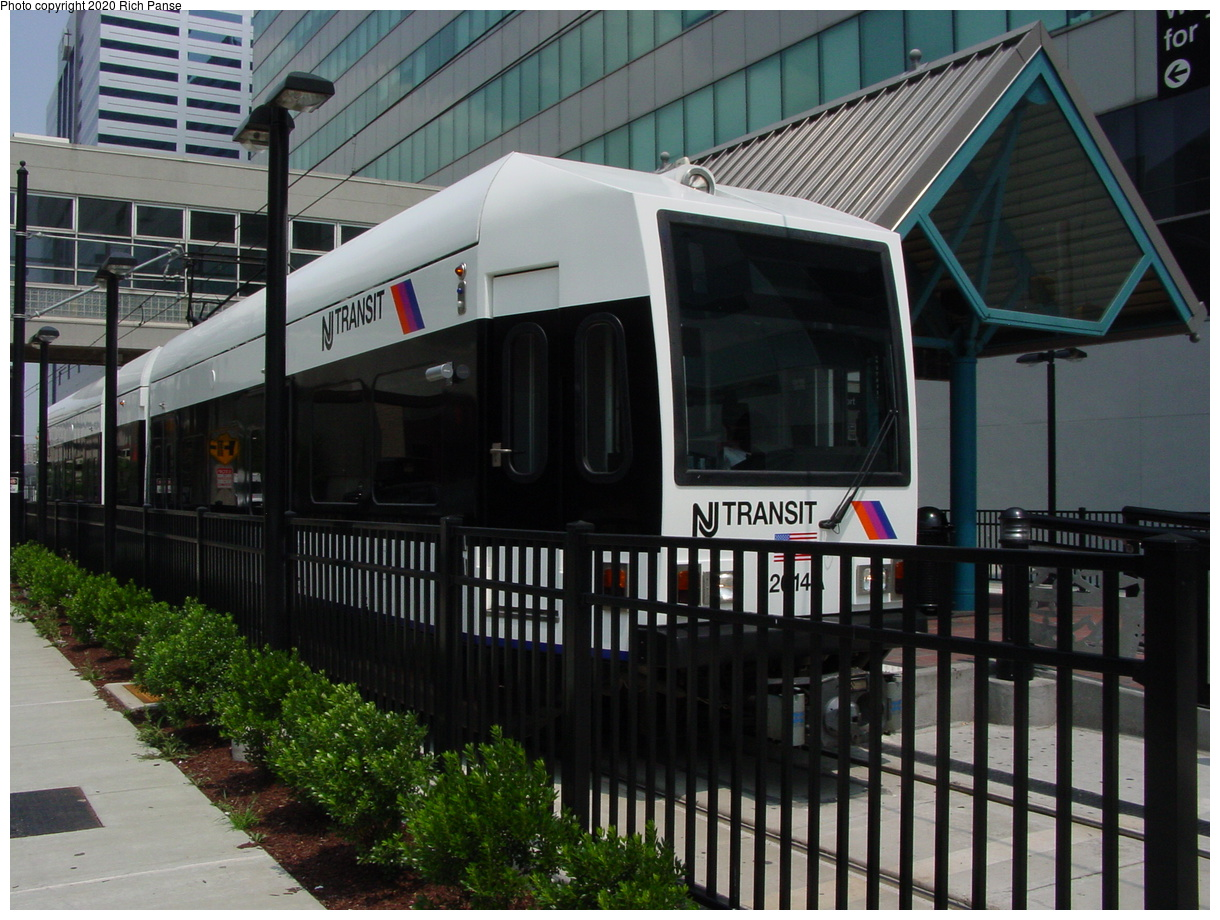 (88k, 820x620)<br><b>Country:</b> United States<br><b>City:</b> Jersey City, NJ<br><b>System:</b> Hudson Bergen Light Rail<br><b>Location:</b> Pavonia/Newport <br><b>Car:</b> NJT-HBLR LRV (Kinki-Sharyo, 1998-99)  2014 <br><b>Photo by:</b> Richard Panse<br><b>Date:</b> 6/5/2002<br><b>Viewed (this week/total):</b> 0 / 2930