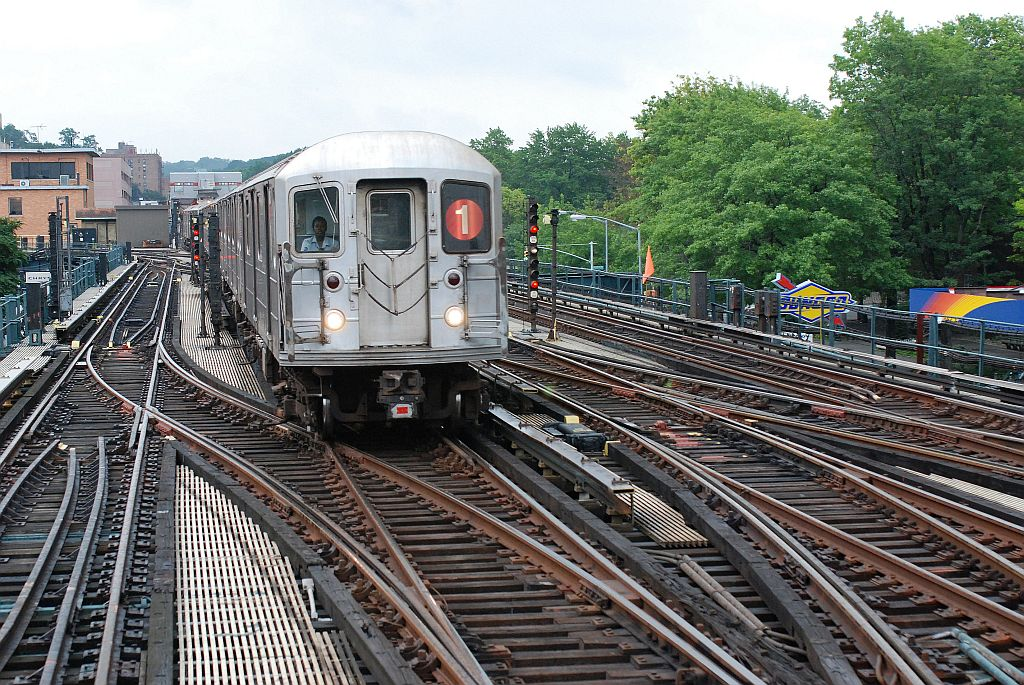 (223k, 1024x685)<br><b>Country:</b> United States<br><b>City:</b> New York<br><b>System:</b> New York City Transit<br><b>Line:</b> IRT West Side Line<br><b>Location:</b> 238th Street <br><b>Route:</b> 1<br><b>Car:</b> R-62A (Bombardier, 1984-1987)   <br><b>Photo by:</b> Richard Chase<br><b>Date:</b> 8/2/2009<br><b>Viewed (this week/total):</b> 2 / 1670