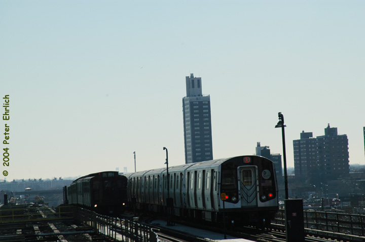 (72k, 720x478)<br><b>Country:</b> United States<br><b>City:</b> New York<br><b>System:</b> New York City Transit<br><b>Line:</b> BMT Canarsie Line<br><b>Location:</b> Atlantic Avenue <br><b>Route:</b> Fan Trip<br><b>Car:</b> R-4 (American Car & Foundry, 1932-1933) 484 <br><b>Photo by:</b> Peter Ehrlich<br><b>Date:</b> 12/28/2003<br><b>Viewed (this week/total):</b> 0 / 3521