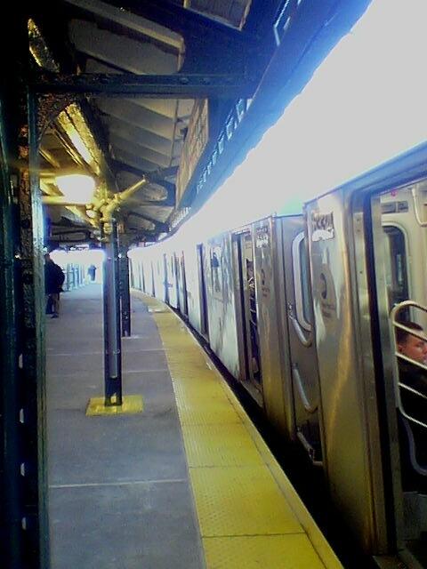 (75k, 480x640)<br><b>Country:</b> United States<br><b>City:</b> New York<br><b>System:</b> New York City Transit<br><b>Line:</b> IRT White Plains Road Line<br><b>Location:</b> 174th Street <br><b>Photo by:</b> David-Paul Gerber<br><b>Date:</b> 11/25/2003<br><b>Viewed (this week/total):</b> 2 / 3546