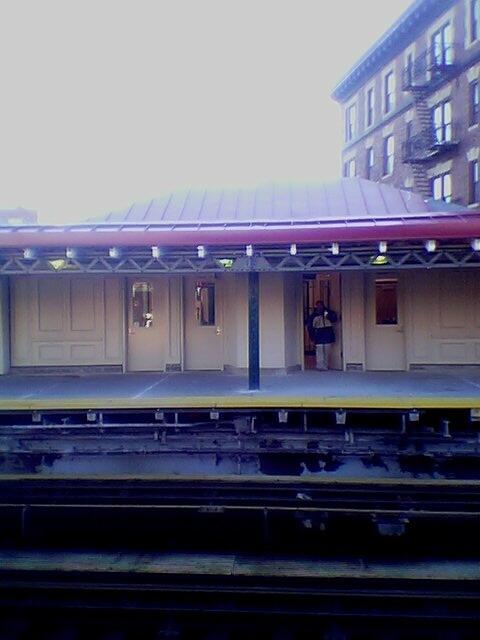 (60k, 480x640)<br><b>Country:</b> United States<br><b>City:</b> New York<br><b>System:</b> New York City Transit<br><b>Line:</b> IRT White Plains Road Line<br><b>Location:</b> 174th Street <br><b>Photo by:</b> David-Paul Gerber<br><b>Date:</b> 11/25/2003<br><b>Viewed (this week/total):</b> 2 / 2963