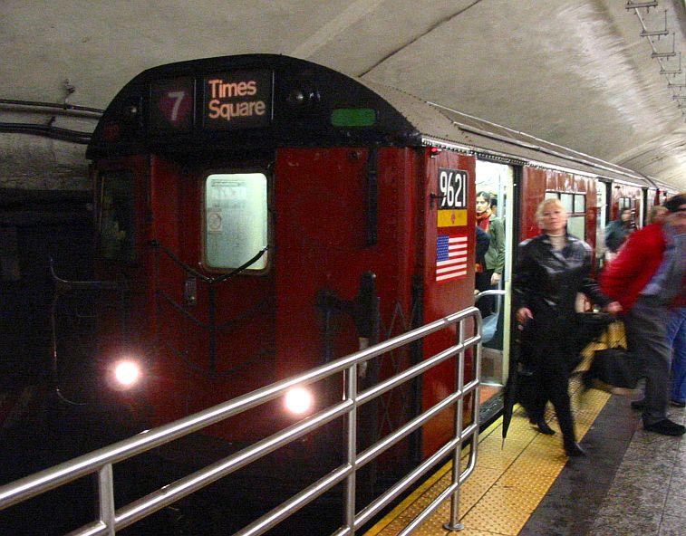 (103k, 757x592)<br><b>Country:</b> United States<br><b>City:</b> New York<br><b>System:</b> New York City Transit<br><b>Line:</b> IRT Flushing Line<br><b>Location:</b> Grand Central <br><b>Route:</b> 7<br><b>Car:</b> R-36 World's Fair (St. Louis, 1963-64) 9621 <br><b>Photo by:</b> IRTSubwaypix<br><b>Date:</b> 6/4/2003<br><b>Viewed (this week/total):</b> 0 / 4276