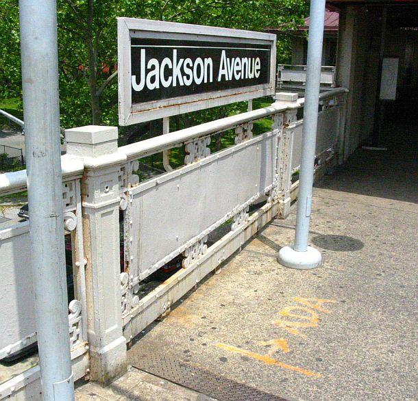 (111k, 610x586)<br><b>Country:</b> United States<br><b>City:</b> New York<br><b>System:</b> New York City Transit<br><b>Line:</b> IRT White Plains Road Line<br><b>Location:</b> Jackson Avenue <br><b>Photo by:</b> IRTSubwaypix<br><b>Date:</b> 6/9/2003<br><b>Viewed (this week/total):</b> 0 / 2991